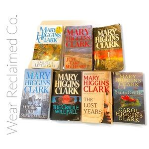 MARY HIGGINS CLARK Bundle of 7 Fiction Books
